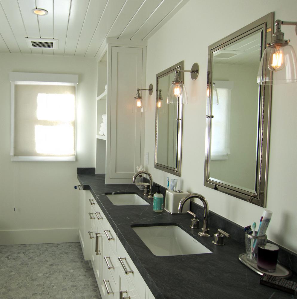 Sonoma Ranch House Bathroom